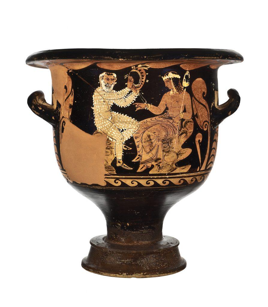 Cratere a figure rosse di produzione campana con Dioniso seduto e vecchio satiro con timpani,